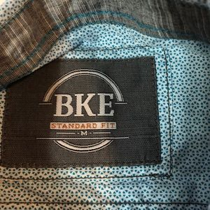 BKE Shirts - BKE Standard Fit Men's Medium Button Down